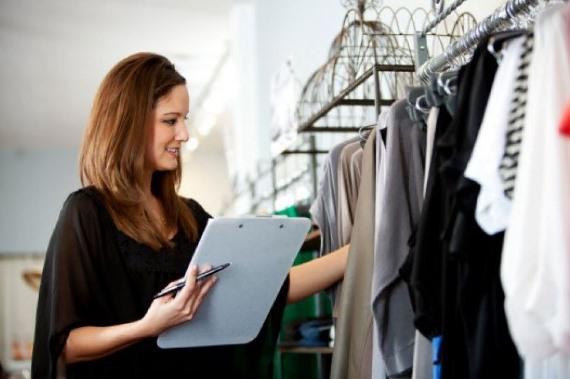Рабочий персонал магазина одежды