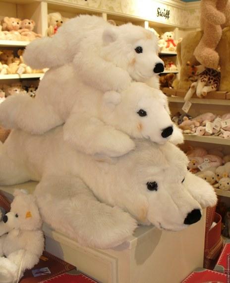 Ассортимент магазина игрушек