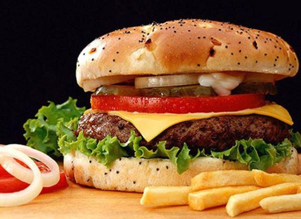 Основной ассортимент меню ресторана Макдональдс