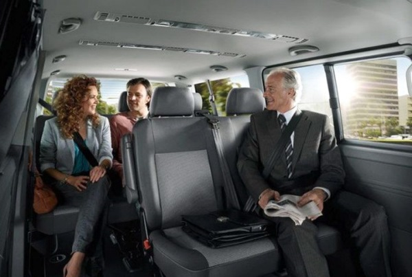 Преимущества пассажирских перевозок микроавтобусом на заказ