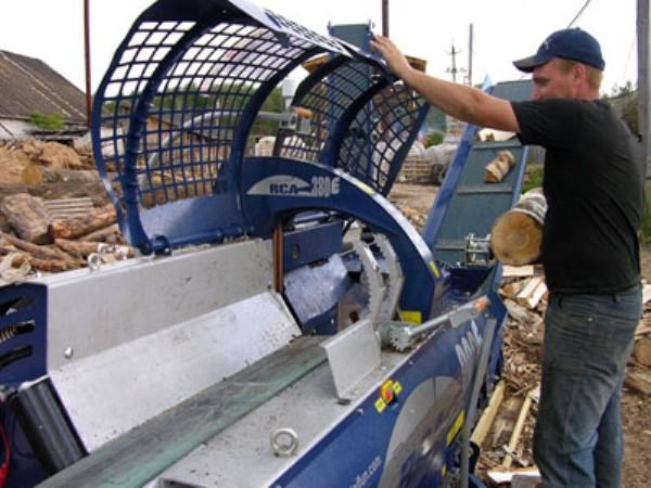 Гидравлический дровокол для производства древесного угля